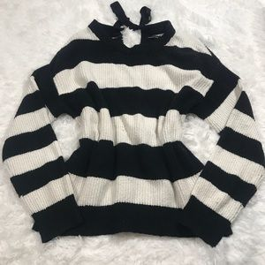 🌼3/$25 Who What Wear Oversized Stripped Sweater